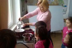 Húsvéti készülődés a kisperegi iskolában