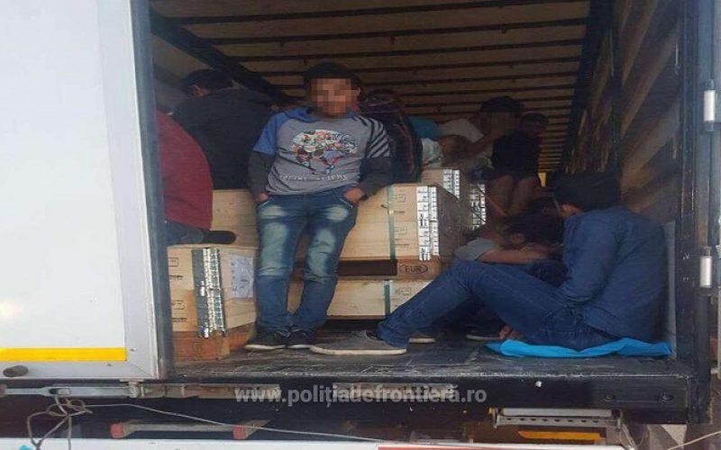 Autóalkatrészek között 91 migráns