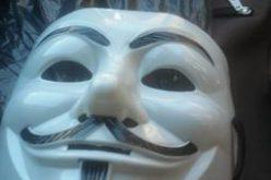 Hacker-maszkos támadott hajnalban a Városháza őreire [FRISSÍTVE]