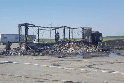 Kiégett egy kamion Széplakon