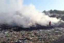 Aradon is szagolható a Lippán égő szeméttelep füstje