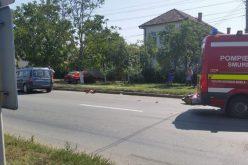 Motorost gázolt egy autó