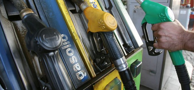 Kong al államkassza: drágul a benzin, zárjegy lesz az ásványvizen