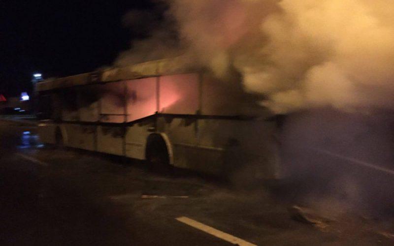 Kiégett egy munkásbusz az éjjel