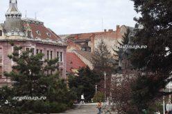 Beleásnak a Szabadság-térbe: eltűnik a katonai emlékmű