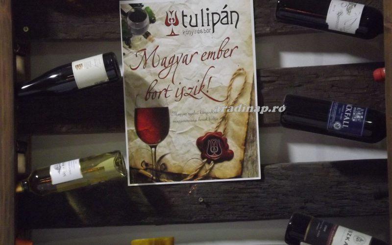 Szikler Walter borkóstoltat a Tulipánban