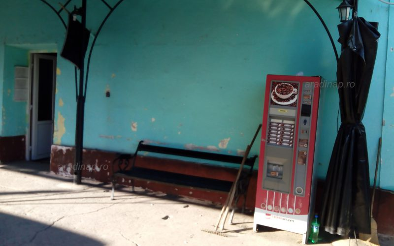 Kávéautomata a ravatalozónál