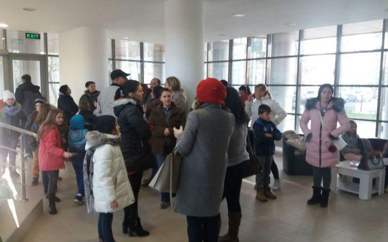 Kibuktak az iskola főkönyvelőjére: Aradon tüntettek