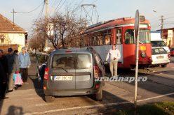 Villamos ütközött személygépkocsival Mosóczon