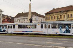Ócska német villamost festettek át centenáriumossá