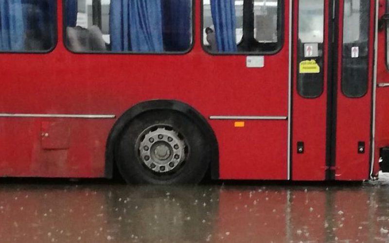 Bokáig vízben tapostatta a CTP a buszsofőröket