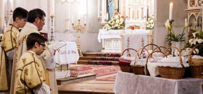 Húsvéti ételszentelés Pécskán