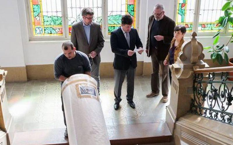 Ma elszállították Feszty triptichonját Nagyszebenbe