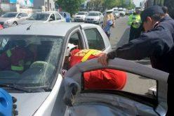 Terhes nő balesetet okozott, autójába szorult