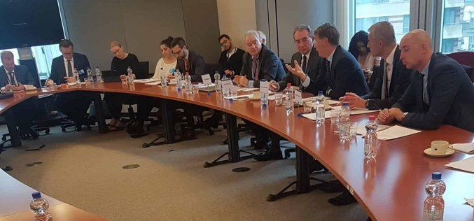 Winkler: ellensúlyozni kell Oroszország megosztási kísérleteit