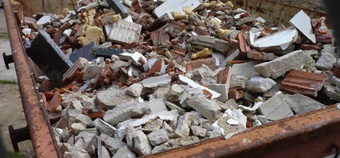Angyalkút szélén fogják leborítani Arad építkezési törmelékét