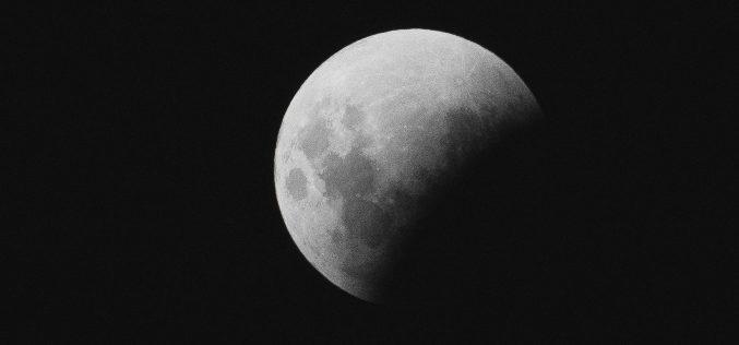 Az évszázad leghosszabb holdfogyatkozása: mikor nézzenek az égre az aradiak?