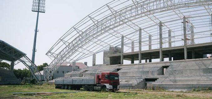 A város fizeti a megújuló UTA-stadion gyepszőnyegét is