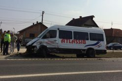 Zimándközön kisbusz ütközött személyautóval
