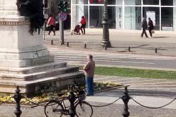 Belső nyugalom a belvárosi fortyogásban: imádkozik vagy meditál?