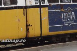 Egy idős férfi kiesett a villamosból