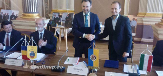 Aláírták az Arad-Pécs együttműködési szerződést