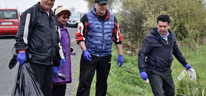 Több százan takarították Pécskát és környékét