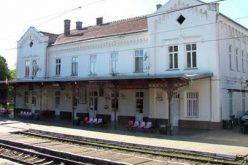 Kezdődik a radnai és sobosini vasútállomások felújítása