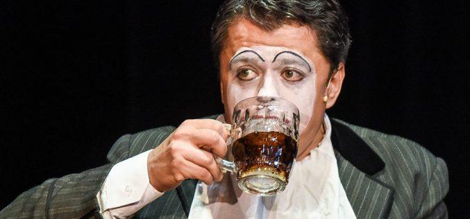 Aradi Kamaraszínház: Svejk – zenés komédia