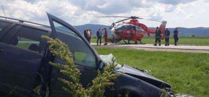 Frontális ütközés: öten kerültek kórházba