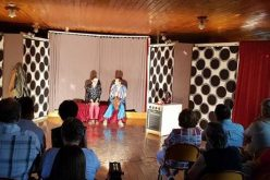 Bánsági Vándorszínház: teltházas előadás Kisjenőben