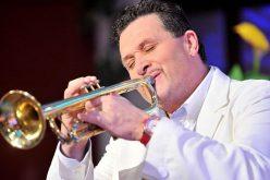 Felvillanyozó koncert: Lagzi Lajcsi Pécskán lép fel