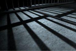 A börtönőr-nyugdíjazó megúszta három év felfüggesztettel