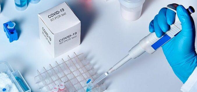 """Hétezer koronavírus-tesztet """"gugliznak meg"""" Aradon"""