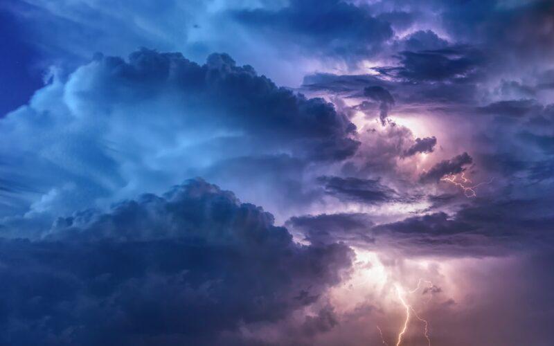 Még nincs vége: meghosszabbították a sárga viharjelzést