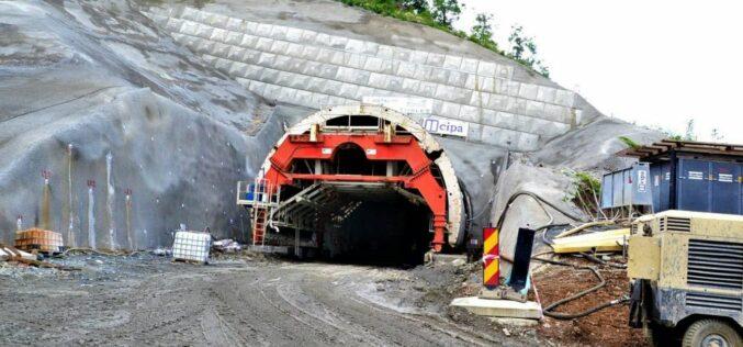 2023-ra ígérik az Arad-Piski vasútvonal felújítását: alagutak, új Maros-hidak
