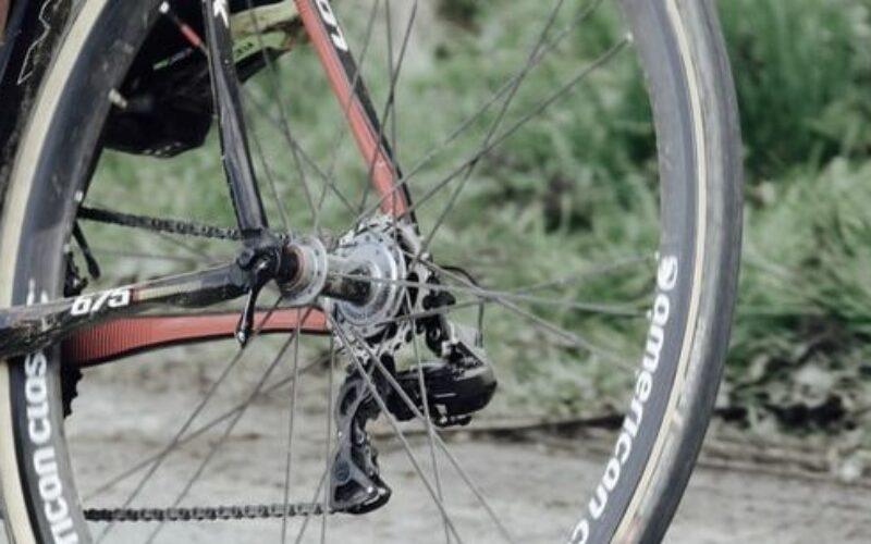 """Arad-Pécs: """"bicajozás a Holdig"""""""
