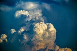 Sárga viharjelzés Arad megyére is: villámlás, felhőszakadás, jégeső