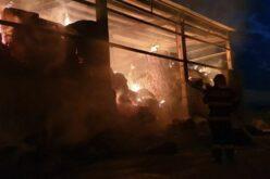 Tűz Nagyiratoson, Zimándújfalun: szénabálák égtek
