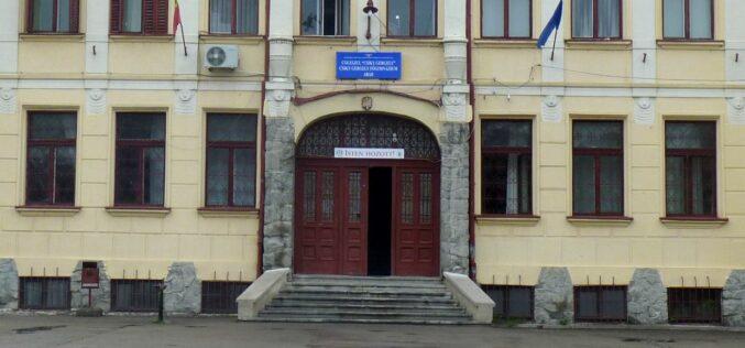 A Csiky honlapja hallgat az oktatás felfüggesztéséről két osztályban