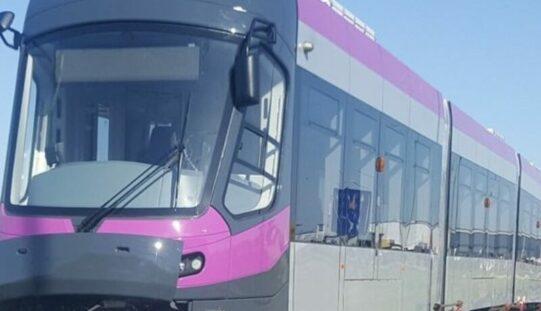 Szerdán forgalomba áll Kolozsváron az első négy aradi villamos