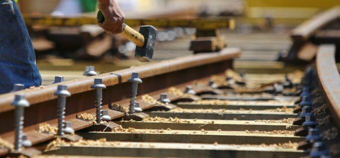 Gabonakereskedő cégnek épül iparvágány Ságnál