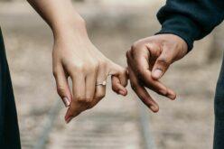 Valentine's Day: valljanak szerelmet a Városháza előtt