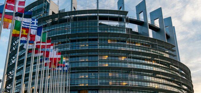 Az EMNP kilépésre szólítja fel az RMDSZ két brüsszeli képviselőjét
