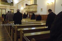 Szomorú: hivatalosságok nélkül kongott volna a templom az ürességtől [VIDEÓ]