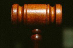 Ügyvédnek adta ki magát: lebukott