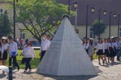 Elballagtak a Pécskai 2-es számú Általános Iskola végzősei