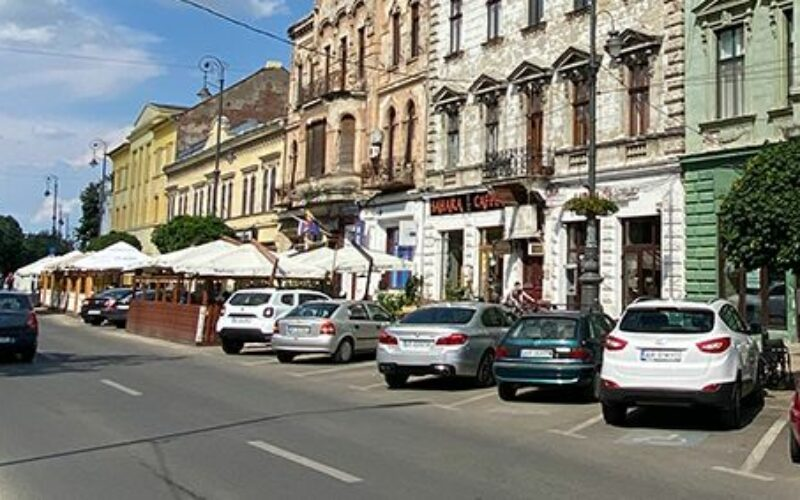 Az USR PLUS sétálóutcát akar a színház és a Városháza között