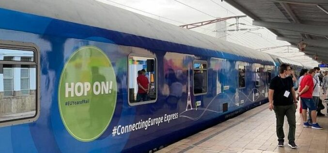 Éjfél után érkezik Aradra a Connecting Europe Express szerelvénye