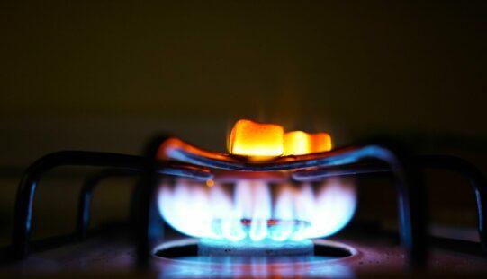 Elszabaduló energiaárak: becitálják a minisztert